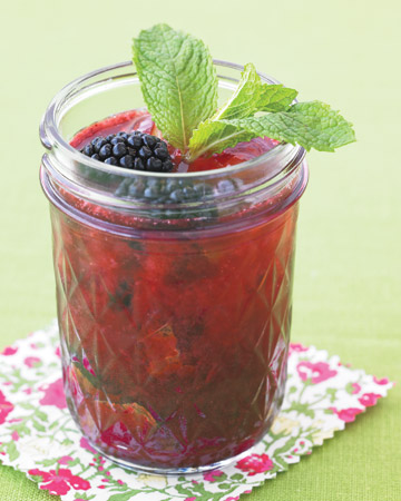 Blackberry Gin Fizz: blackberries, gin, seltzer & mint leaves